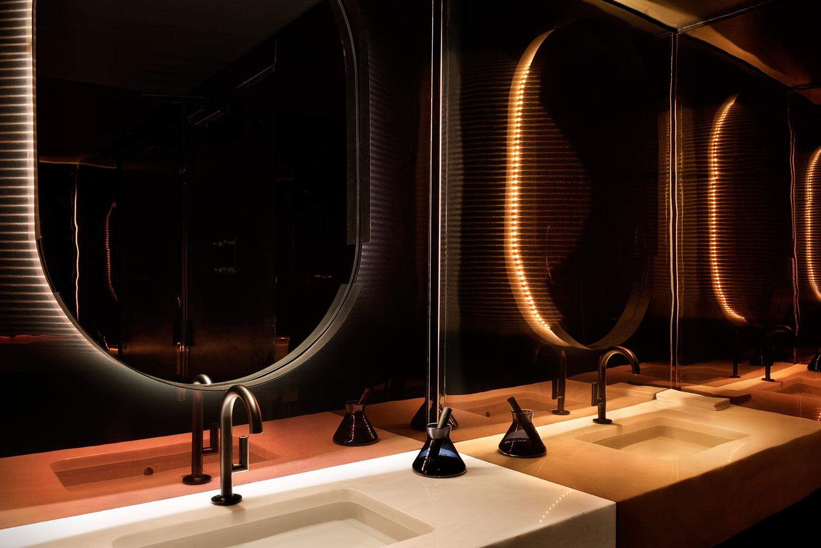 himitsu. Black Bedroom Furniture Sets. Home Design Ideas