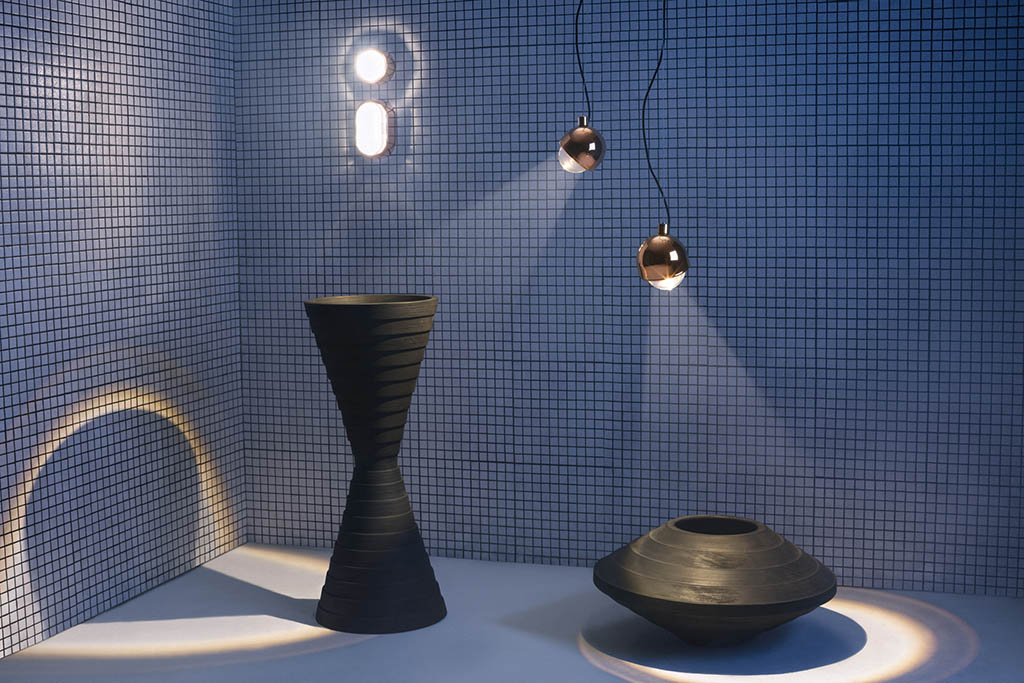 Spot lighting for the bathroom by tom dixon